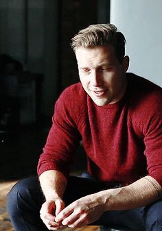 Jai Courtney Imagines — That cheeky wink…