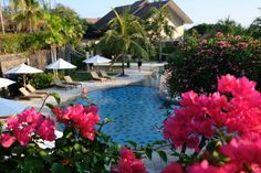 Grand Luley Manado Swimming Pool