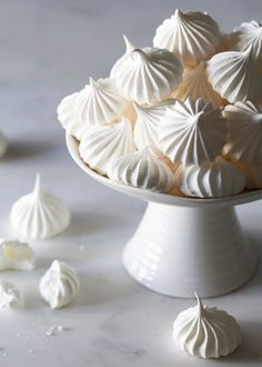 How to make French meringue. These French desserts are extremely versatile — after mastering the basics of how to whip meringue, you'll be making these underrated cookies for almost any occasion. French Meringue, Baked Meringue, Meringue Kisses, Meringue Desserts, Meringue Pavlova, Italian Meringue, Swiss Meringue, Meringue Pie, All White Party