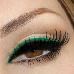 I'm big on using colored eyeliner. I'm big on using colored eyeliner. I'm big on using colored eyeliner. All Things Beauty, Beauty Make Up, Hair Beauty, Love Makeup, Makeup Looks, Hair Makeup, Green Makeup, Eyeliner Makeup, Eyeliner Pencil
