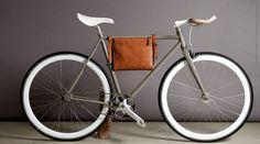 Hard Graftの自転車用クラッチバッグの画像:promostyl JAPAN news