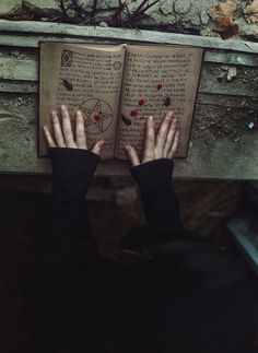 Wicca Pagan Witches Spells Magic Craft Witchcraft Salem Book of Shadows Grimoire Black Magic Harry Potter, Dark Fantasy, Fantasy Art, Yennefer Of Vengerberg, Arte Obscura, Slytherin Aesthetic, Vampire, Witch Aesthetic, Aesthetic Dark