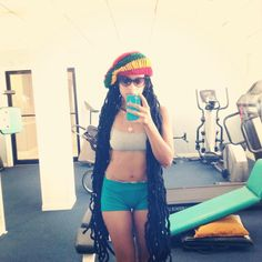 *sigh* ..... One day!  The hair, the bod, and the gym membership! - 2014 please be good 2 me!