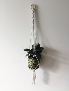 Macrame Plant Hanger / Modern Macrame / Macrame Plant Holder / Plant Hanger / Plant Holder / Hanging Shelf / Bohemian