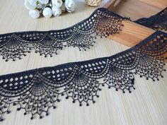 Scalloped lace, black venice lace, guipure lace trim for garters, choker necklace, collar applique - lace things Crochet Lace Edging, Crochet Edging Patterns, Crochet Borders, Filet Crochet, Needle Lace, Bobbin Lace, Wedding In The Woods, Bridal Necklace, Scalloped Lace
