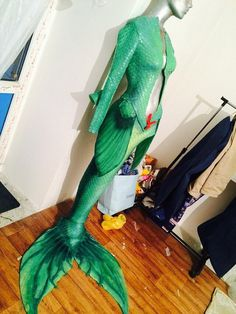 I bet this is useful for mers in colder waters. Realistic Mermaid Tails, Diy Mermaid Tail, Silicone Mermaid Tails, Mermaid Fin, Octopus Mermaid, Fantasy Mermaids, Mermaids And Mermen, Real Mermaids, Mermaid Under The Sea