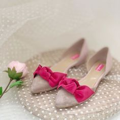 Balerini din piele   Pantofica.roPointed shoes flats nude fuchsia suede leather bows Summer Shoes, Suede Leather, Bows, Flats, Wedding, Fashion, Arches, Loafers & Slip Ons, Valentines Day Weddings