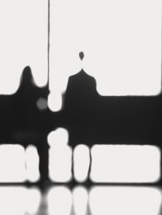 black and white, photography, light, blur. Blur Photography, Minimal Photography, Black And White Photography, Street Photography, Monochrome Photography, Arte Yin Yang, Dark Art Drawings, Out Of Focus, Light And Shadow