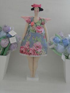 Tilda gordinha com vestido by Candido Artes, via Flickr