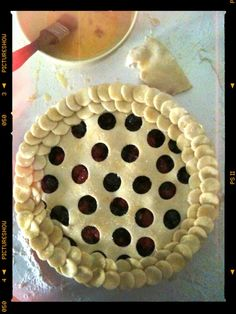 New cute crust idea! I have this thing about mundane crust, crust is like the wrapping on the gift and ya'll know how I am about wrapping!! Lol How cute is this pie!! Love the polka dots!