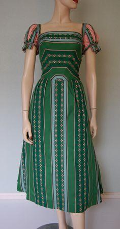 1950s Tina Leser Cotton Party Dress - Artistic - Creative - Details