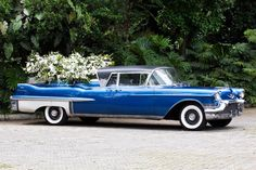1957 Cadillac Superior Coupe de Fleur - funeral flower car