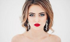 Какой макияж подходит к красному платью? Макияж под красное платье для блондинок, брюнеток, шатенок, рыжих, русых