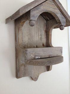 Mangeoire en bois antique par BlueWillowAtelier sur Etsy