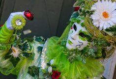 Jeux, traditions, coutumes d'autrefois du Carnaval en régions Voici venu le joyeux temps du Carnaval et de ses fous, découvrez les festivités carnavalesques d'autrefois, leurs joies, rires, traditions, jeux. ... Faites le plein d'idées d'activités, d'amusement pour les enfants, les manifestations, les kermesses...