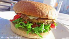 Marias Matglede ♥: Grillburger av røde linser Norwegian Food, Hamburger, Bbq, Vegetarian, Chicken, Ethnic Recipes, Grilling, Barbecue, Barbacoa