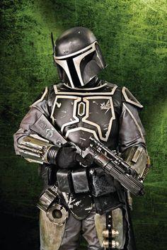 Link to Mandalorian armor references Star Wars Helmet, Star Wars Rpg, Images Star Wars, Star Wars Pictures, Mandolorian Armor, Character Art, Character Design, Mandalorian Cosplay, Star Wars Bounty Hunter
