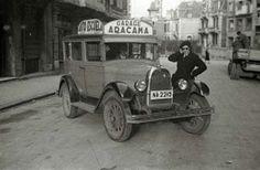 Donostia: Coche de la Autoescuela Aracama en  Gros. Años 1940 s ??  CC BY-NC-ND-3.0-ES 2013 /Kutxateka /Fondo