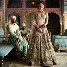 Find top trending and unique Sabyasachi Lehenga Designs for your dream bridal look. Best bridal lehenga designs by Sabyasachi for 2020 weddings. Sabyasachi Lehenga Cost, Brocade Lehenga, Banarasi Lehenga, Green Lehenga, Lengha Choli, Lehnga Dress, Sabyasachi Bridal Collection, Lehenga Collection, Lehenga Designs
