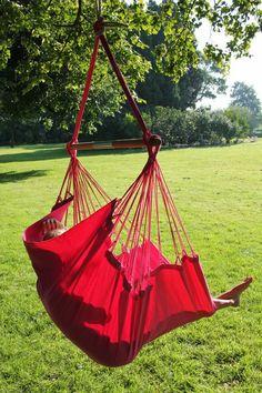 Rode versie van de NewLine Mono Color hangstoel
