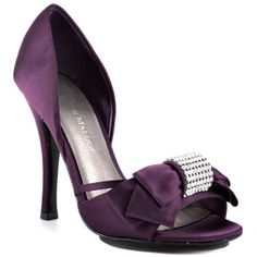Purple satin high heels with rhinestone bow. I could do without the rhinestone Purple Wedding Shoes, Purple Shoes, Purple Satin, Plum Purple, Lilac, Mauve, Wedding Colors, Lavender, Burgundy