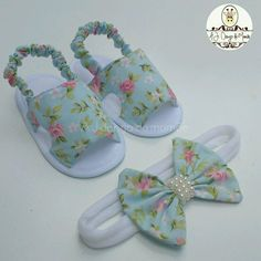 Best 12 In de maak… open teen Baby Shoes Pattern, Shoe Pattern, Baby Sewing Projects, Sewing Patterns For Kids, Baby Sandals, Baby Booties, Baby Doll Shoes, American Doll Clothes, Handmade Baby