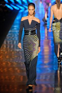 Photo feat. Joan Smalls - Etro - Autumn/Winter 2013 Ready-to-Wear - milan - Fashion Show | Brands | The FMD #lovefmd