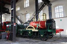 """3 Ottobre 1839 - """"Il primo viaggio"""". Nascono le Ferrovie in Italia: la locomotiva a vapore Bayard percorre la Napoli-Portici, poco meno di 8 km, in soli 11 minuti, raggiungendo la velocità di 50 km l'ora."""
