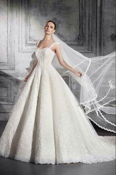 Νυφικά Φορέματα Demetrios Collection - Style 804