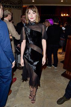 Pin for Later: Sorry New York – glamouröse Kleider gibt's auch in Toronto! Dakota Johnson
