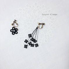 おっきい花💠と、ちっちゃい花💠  #tatting #frivolite #タティング  #tattinglace  #태팅레이스 #earring #black #flower #花 #beads