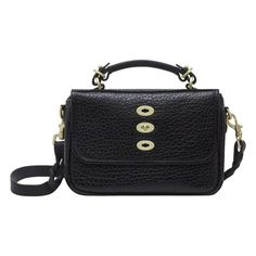 Get the trendiest Cross Body Bag of the season! The Mulberry Bryn Black Leather Cross Body Bag is a top 10 member favorite on Tradesy. Guess Handbags, Cheap Handbags, Handbags Online, Designer Inspired Handbags, Wholesale Handbags, Black Leather Crossbody Bag, Fashion Bags, Purses And Bags
