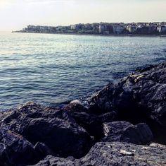 Kıyıyı gözden kaybetmeye cesaret etmedikçe insan yeni okyanuslar keşfedemez.