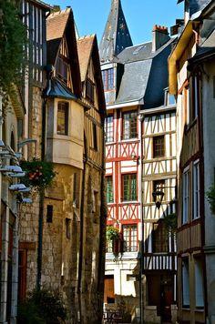 Imagen de france and rouen Best Vacation Destinations, Best Vacations, Vacation Trips, Places Around The World, Travel Around The World, Around The Worlds, Wonderful Places, Beautiful Places, Belle France