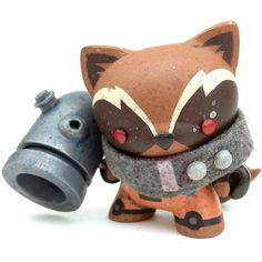 Mike Die's custom 'Rocket Raccoon' Dunny... is AWESOME!