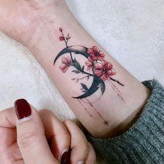 Jewerly tattoo ink sweets 44 Ideas for 2019 Pretty Tattoos, Beautiful Tattoos, Finger Tattoos, Body Art Tattoos, Henna Tattoos, Wrist Tattoos, Diy Tattoo, Tattoo Moon, Luna Tattoo