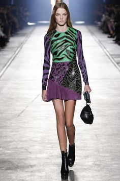 Great pieced dress appliqued with leather. Have to try this. Versace Spring 2016 Ready-to-Wear Fashion Show - Raquel Zimmermann