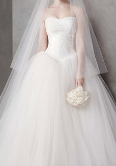 VW351135 by White By Vera Wang,