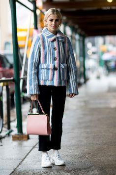 Street style: zoom sur la Fashion Week de New York automne-hiver 2018-2019—Aperçu dans les rues de New York.