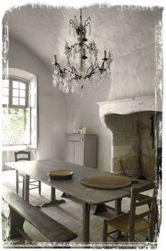 http://www.linenandlavender.net/2013/04/revisiting-chateau-de-moissac-fr-little.html