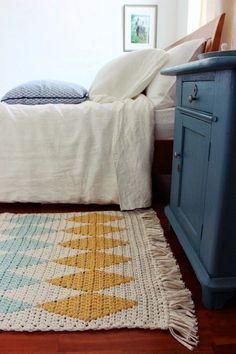 Beautiful Flooring Idea Handmade Rugs  21 photos Interiordesignshome.com Nice crochet handmade rug