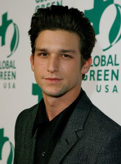 daren kagasoff from the secret life of the american teenager