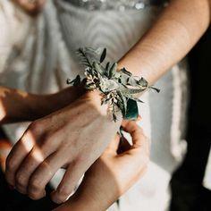 Succulet bracelet for wedding Wedding Details, Wedding Flowers, Silver Rings, Bracelets, Accessories, Jewelry, Instagram, Jewlery, Jewerly