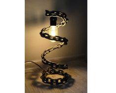 Tabla / lámpara de escritorio de cadena soldada con por VernArt