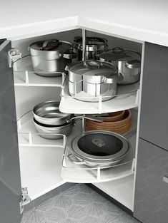 30 Insanely Smart DIY Kitchen Storage Ideas - Best Home Ideas and Inspiration : Small kitchen space? IKEA kitchen interior organizers, like corner cabinet carousels, make use of the space you have to make room for all your kitchen gadgets! Diy Kitchen Storage, Kitchen Cabinet Organization, Smart Kitchen, Kitchen Pantry, Organization Ideas, Cabinet Ideas, Awesome Kitchen, Organized Kitchen, Country Kitchen
