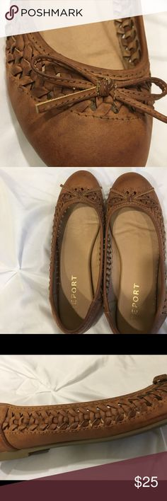 Brown Flats Really cute flats! Only ever worn 2-3 times Report Shoes Flats & Loafers