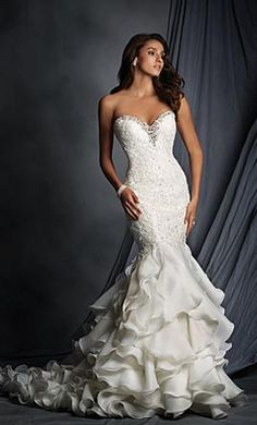Alfred Angelo 2527: buy this dress for a fraction of the salon price on PreOwnedWeddingDresses.com