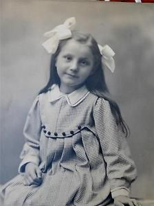 Precious Girl Cute Child Fashion Hair Bows Nicely posed Old Cabinet Photo 1900