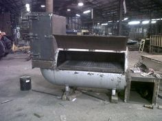 Resultado de imagen para how to make smoker out of propane tank Bbq Pit Smoker, Diy Smoker, Barbecue Pit, Homemade Smoker, Bbq Grill, Patio Grill, Custom Smokers, Smoker Designs, Large Bbq