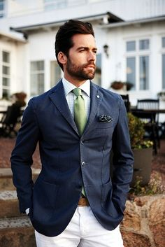 Navy blazer, lime tie and white pants. I think it would look better with beige or light-grey pants though